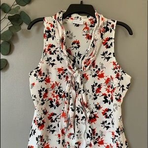 New York and Company Sleeveless Floral Top M Size